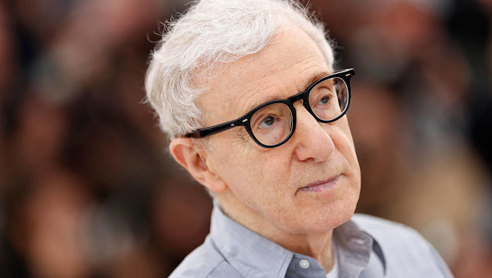 CANNES, FRANCE - MAY 11:  Director Woody Allen attends the 'Cafe Society' Photocall  during The 69th Annual Cannes Film Festi