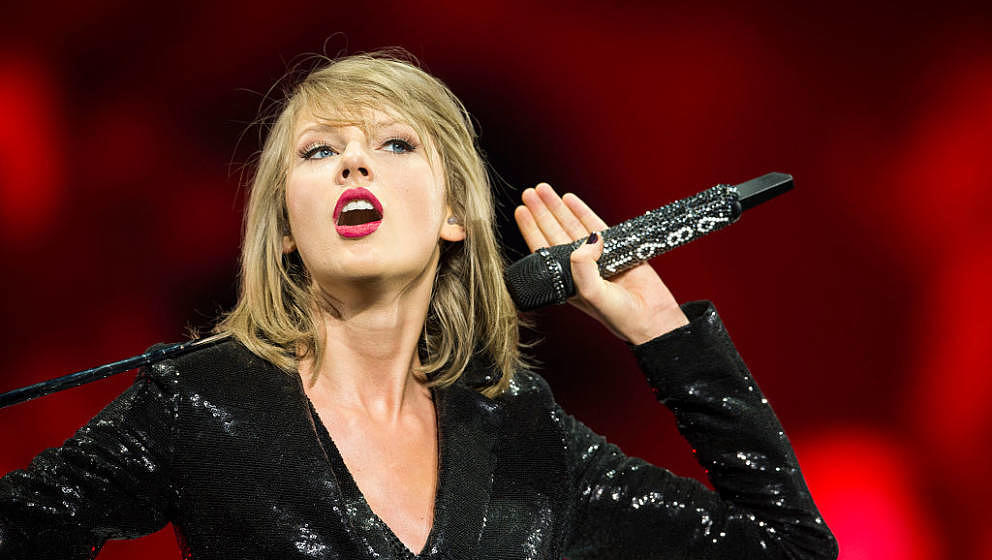 DUBLIN, IRELAND - JUNE 30:  Taylor Swift brings the 1989 World tour to 3Arena on June 30, 2015 in Dublin, Ireland.  (Photo by