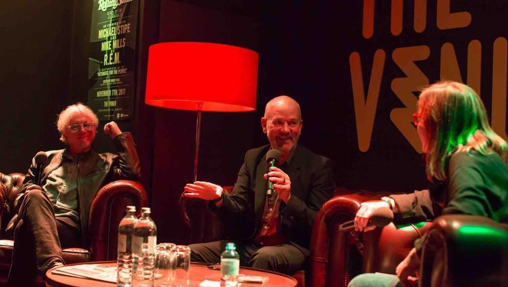 Stipe und Mills mit Rolling-Stone-Redakteurin Brigit Fuss.