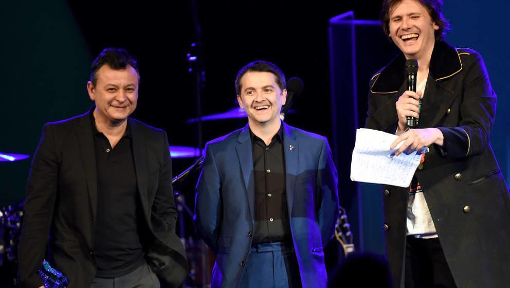 "Manic Street Preachers am 6. November 2017: James Dean Bradfield, Sean Moore und Nicky Wire bei den 26. ""Music Industry Trust Awards"" in London"