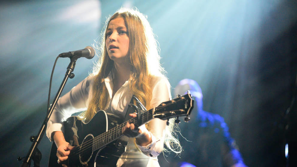 NEW YORK - OCTOBER 10: The Late Show with Stephen Colbert and guest Jade Bird during Tuesday's October 10, 2017 show. (Photo