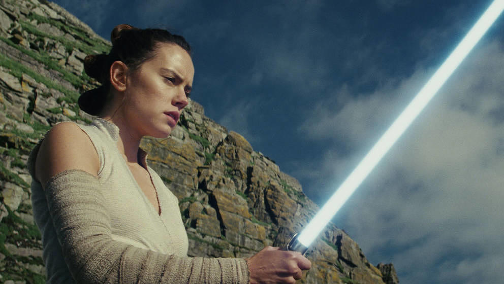 "Daisy Ridley als Rey in ""Star Wars: The Last Jedi"""
