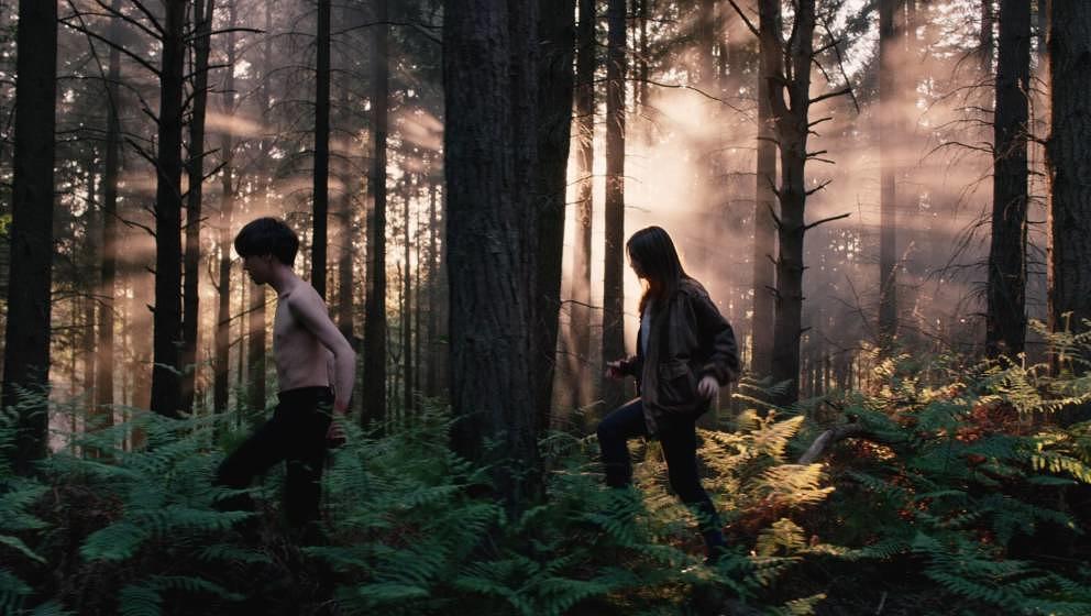 Allein im Wald: James und Alyssa laufen fort.