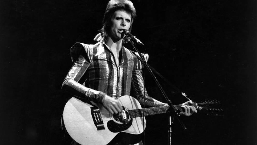 3rd July 1973:  David Bowie performs his final concert as Ziggy Stardust at the Hammersmith Odeon, London. The concert later