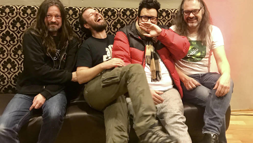 Oliver Polak backstage mit Motorpsycho: Bent Saether, Tomas Järmyr, Hans Magnus Ryan