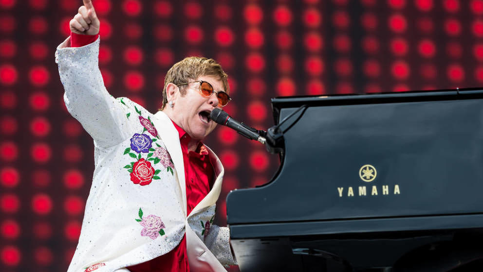LONDON, ENGLAND - JUNE 03:  Elton John performs live at Twickenham Stoop on June 3, 2017 in London, England. (Photo by Ian Ga