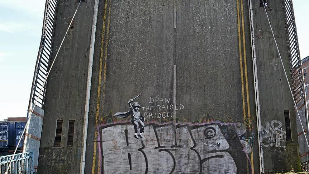 """""""Draw the raised bridge"""" – Lasst die Brücke runter, fordert Banksy mit diesem neuen Kunstwerk"""