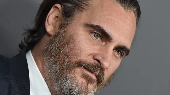 Wird sich für die Rolle des Jokers wohl oder übel von seinem geliebten Bart trennen müssen: Joaquin Phoenix