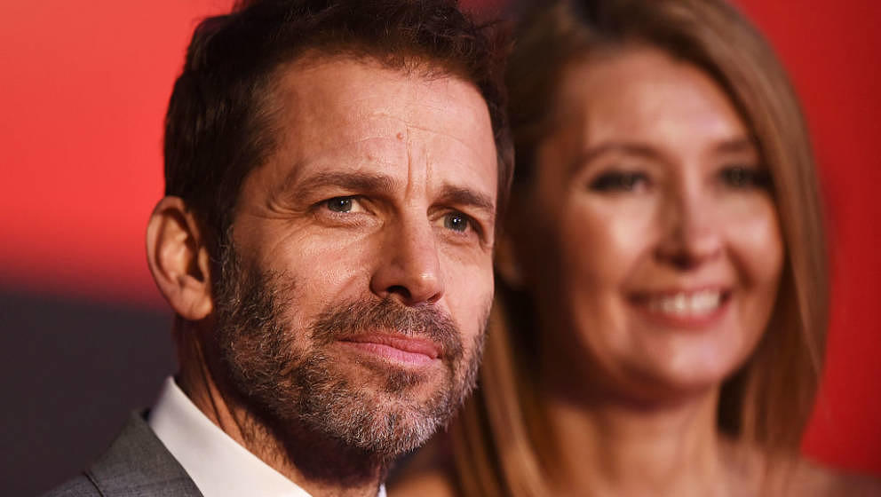 LONDON, ENGLAND - MARCH 22:  Director Zack Snyder (L) and Producer Deborah Snyder attend the European Premiere of 'Batman V S