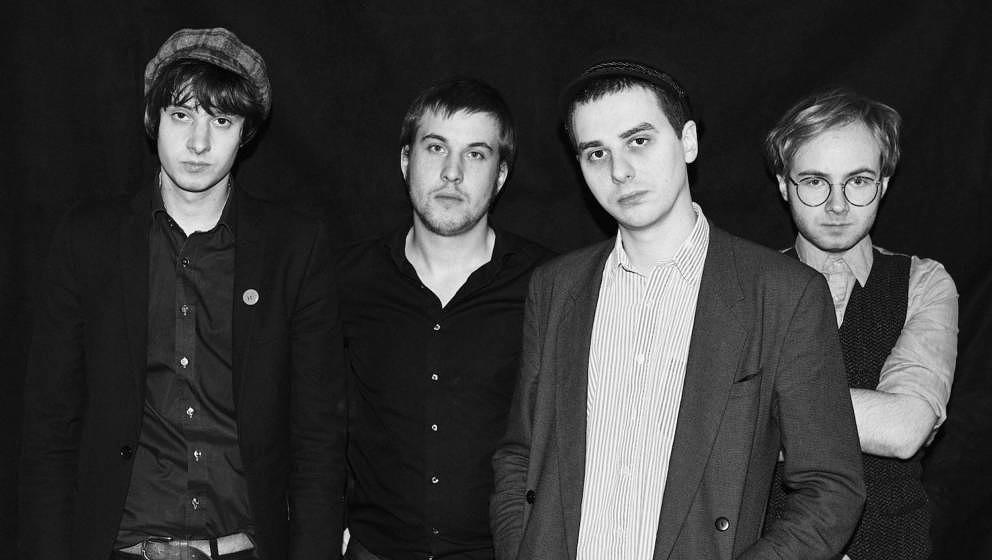 Isolation Berlin haben ihr zweites Album VERGIFTE DICH veröffentlicht.