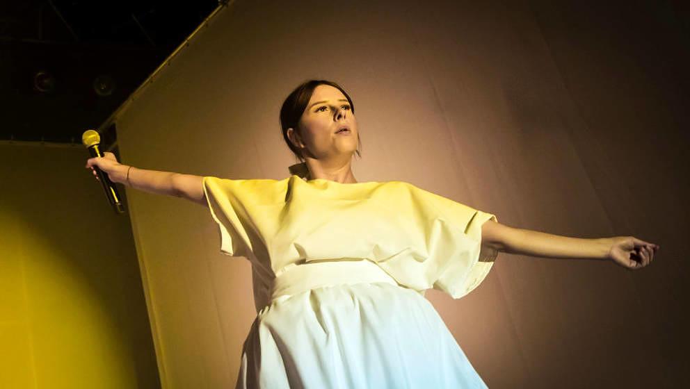 Balbina trat 2017 bei Pop-Kultur auf. Das Berliner Festival legt seit seinem Anfang 2015 Wert auf Geschlechterausgewogenheit.