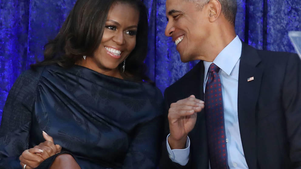 WASHINGTON, DC - FEBRUARY 12:  Former U.S. President Barack Obama and first lady Michelle Obama participate in the unveiling