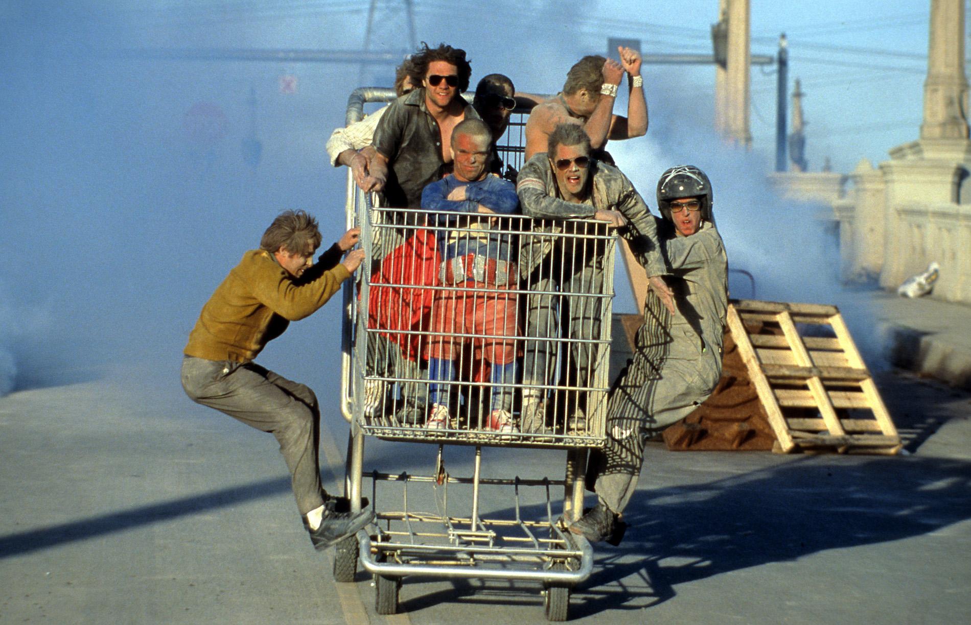 """Kamen Anfang der nuller Jahre ganz groß raus: Johnny Knoxville und die """"Jackass""""-Jungs, hier in einer Szene aus """"Jackass: The Movie"""", 2002."""