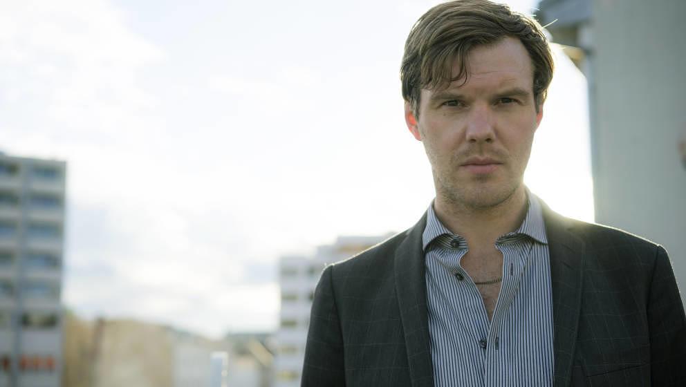 """Thorsten Nagelschmidt, formerly known as Nagel, hat im Februar seinen neuen Roman """"Der Abfall der Herzen"""" veröffentlicht."""