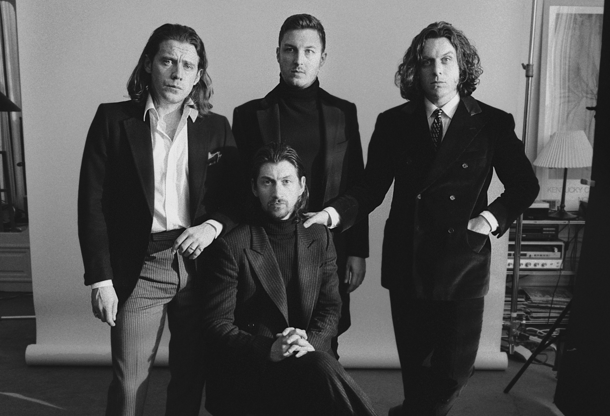 Arctic Monkeys: TRANQUILITY BASE HOTEL & CASINO erscheint am 11. Mai 2018