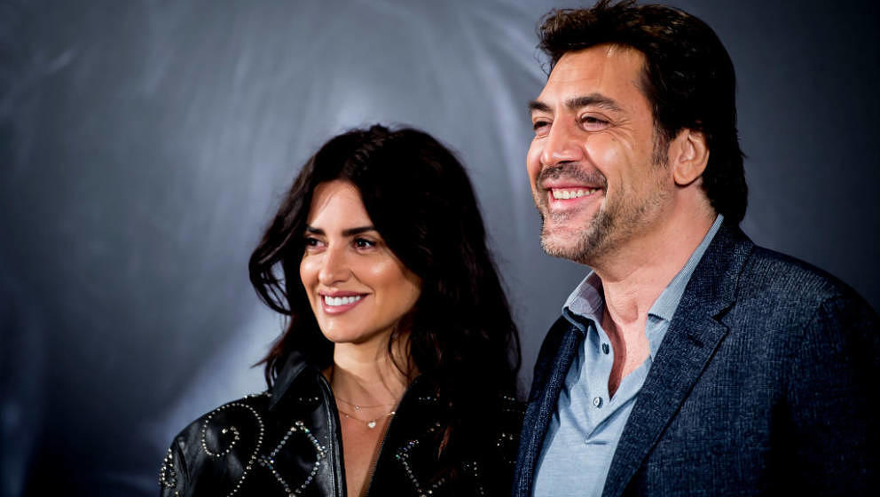 MADRID, SPAIN - MARCH 06: Javier Bardem and Penelope Cruz attend 'Loving Pablo' Madrid Photocall on March 6, 2018 in Madrid,