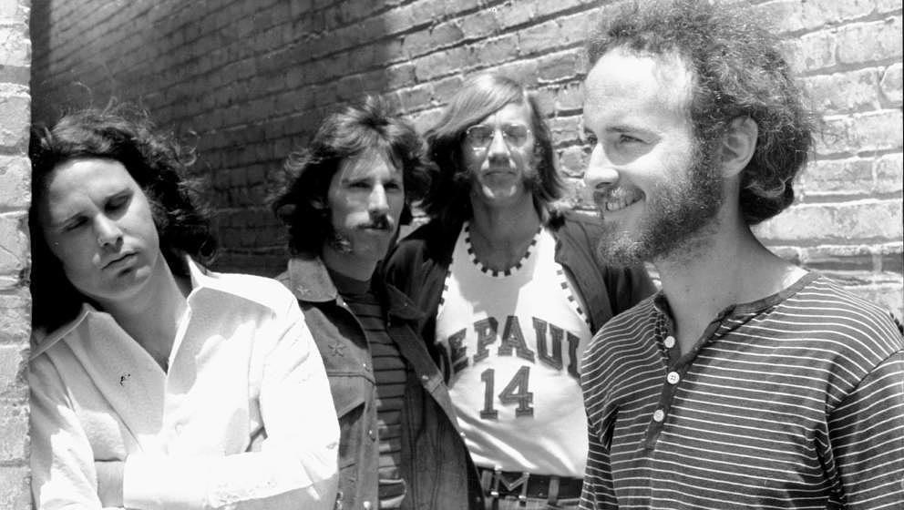 Robbie Krieger (rechts) mit The Doors Anfang der Sechziger Jahre.