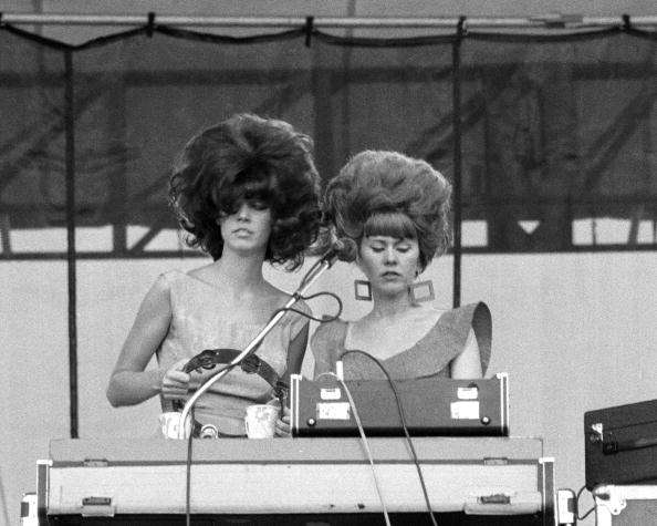 TORONTO, CANADA - AUGUST 23: Kate Pierson and Cindy Wilson from The B-52's performing at the Heatwave Festival at Mosport Par