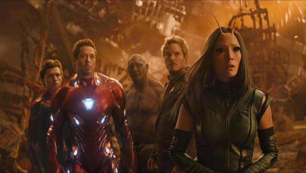 Marvel Studios' AVENGERS: INFINITY WAR..L to R: Spider-Man/Peter Parker (Tom Holland), Iron Man/Tony Stark (Robert Downey Jr.