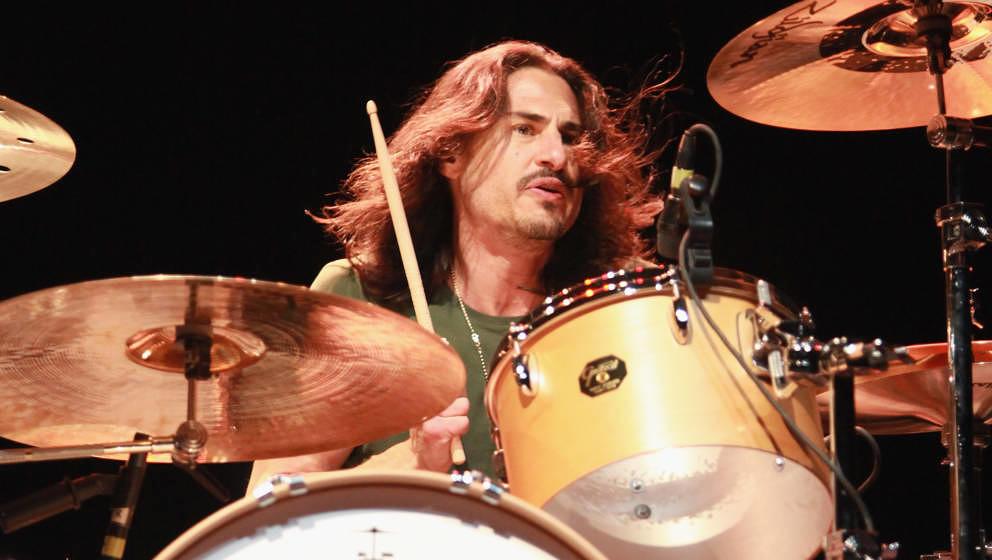 Wurde auch ohne Pearl Jam ein Rockstar: Brad Wilk, hier live im Februar 2012 in New York