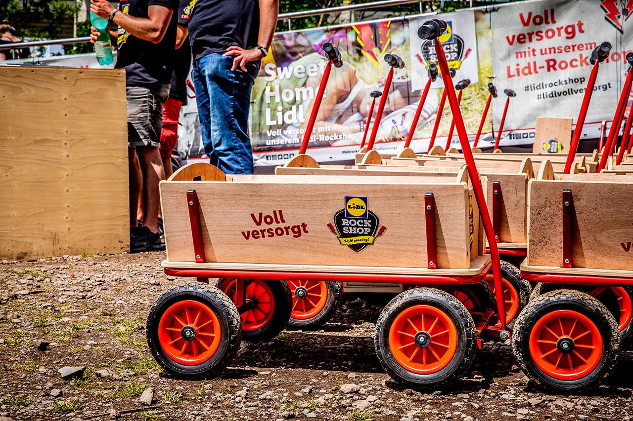 Dank der praktischen Bollerwagen ließ sich der Einkauf auch super einfach transportieren.