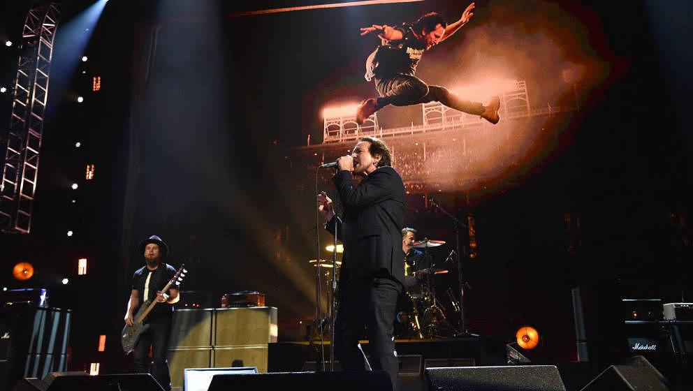 Pearl Jam, hier live im April 2017 bei ihrer Einführung in die Rock And Roll Hall Of Fame.