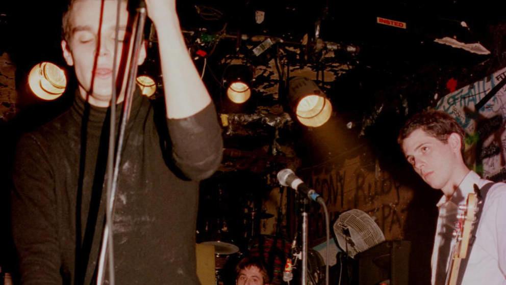 Stewart Lupton, Sänger der Indierockband Jonathan Fire*Eater (hier 1996 in New York), starb am 27. Mai 2018 mit 43 Jahren. Die Todesursache ist unklar.
