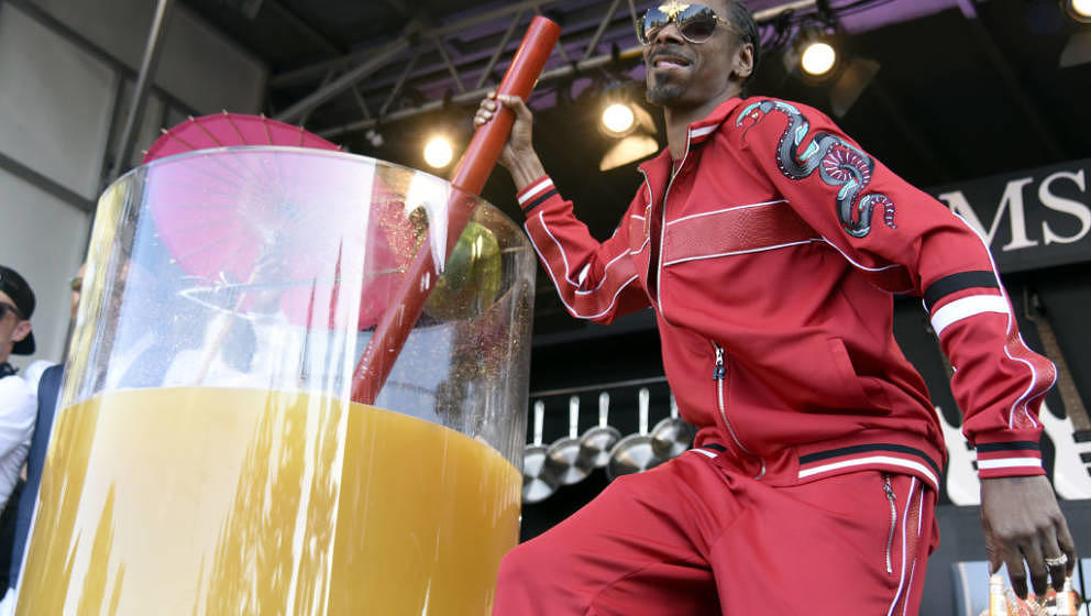 NAPA, CA - MAY 26:  Snoop Dogg attends the Guiness World Record for largest Cocktail during the 2018 BottleRock Napa Valley a