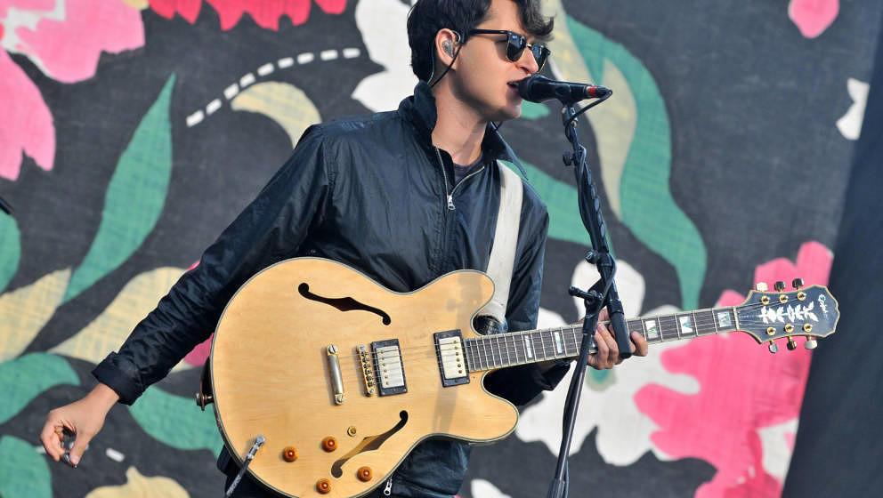 Vampire Weekends Ezra Koenig, hier live beim Reading Festival 2014