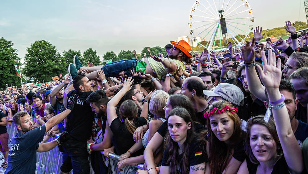 Fans der Foo Fighters bei Rock im Park 2018