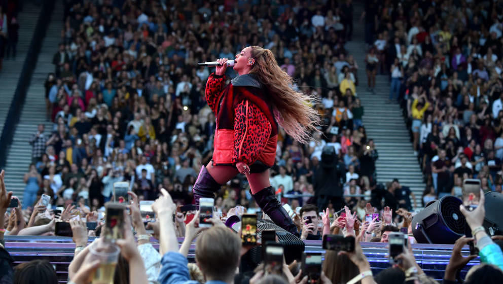GLASGOW, SCOTLAND - JUNE 09:  Beyonce performs on stage during the 'On the Run II' Tour with Jay-Z at Hampden Park on June 9,