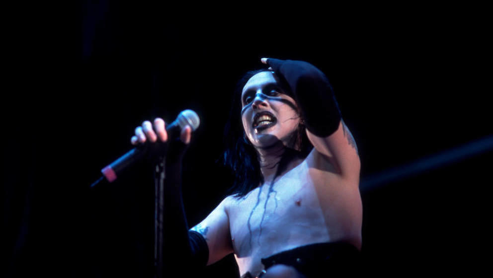 Marilyn Manson at the World Music Theater in Tinley Park, Illinois, June 8, 2001.  (Photo by Paul Natkin/Getty Images)