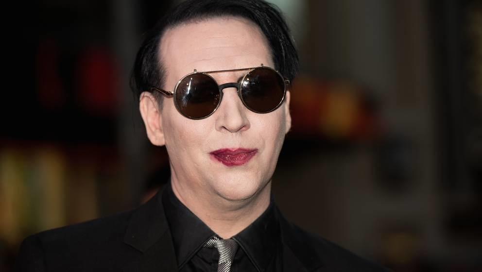 HOLLYWOOD, CA - SEPTEMBER 06:  Musician Marilyn Manson attends FX's 'Son Of Anarchy' Premiere at TCL Chinese Theatre on Septe