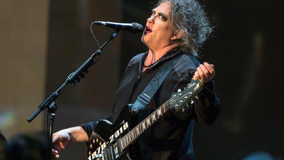 Htte vor 40 Jahren auch nicht gedacht, dass er heute mit seiner Band hier steht: Robert Smith, live mit The Cure am 7. Juli 2018 im Londoner Hyde Park