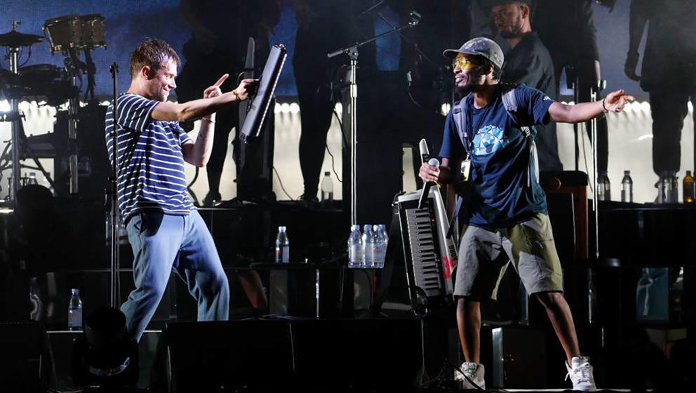 Damon Albarn und Del The Funky Homosapien, hier gemeinsam bei einem Gorillaz-Konzert im September 2017
