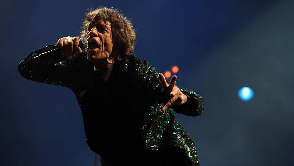 GLASTONBURY, ENGLAND - JUNE 29:  Mick Jagger of The Rolling Stones performs on the Pyramid Stage at the Glastonbury Festival