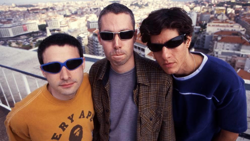 Back in the days: Die Beastie Boys 1998. Bandmitglied Adam Yauch (in der Mitte) verstarb 2012.