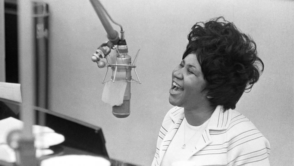 NEW YORK, NY - JANUARY 09: Aretha Franklin sings in the Atlantic Records studio in during 'The Weight' recording sesssion on