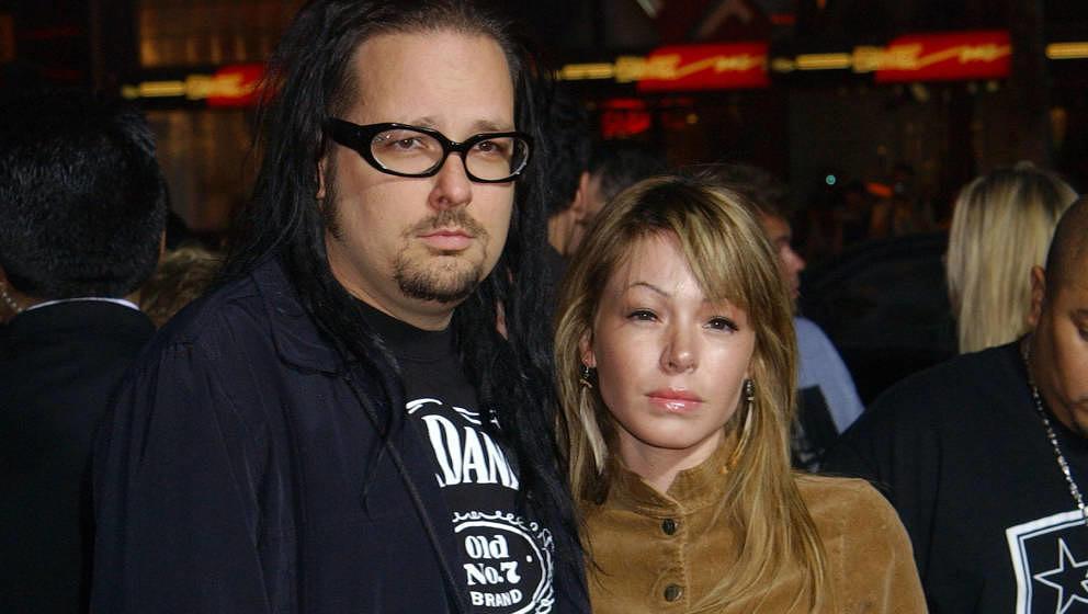 """Jonathan Davis und seine spätere Ehefrau Deven bei der """"Wonderland""""-Premiere im Jahr 2003"""