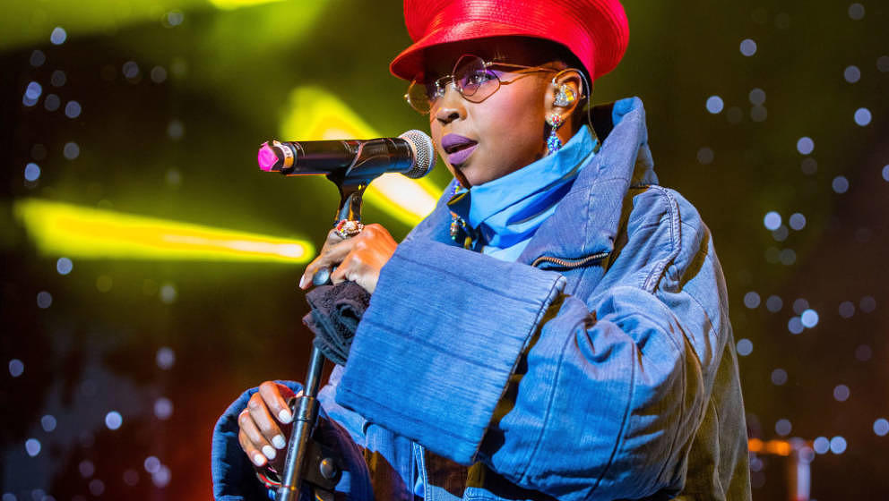 STERLING HEIGHTS, MI - SEPTEMBER 08:  Ms. Lauryn Hill performs in support of the Powernomics Tour at Michigan Lottery Amphith