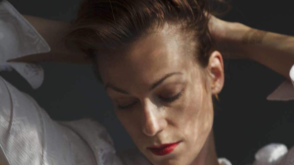 Charlotte Brandi veröffentlichte 2019 ihr Solodebüt THE MAGICIAN