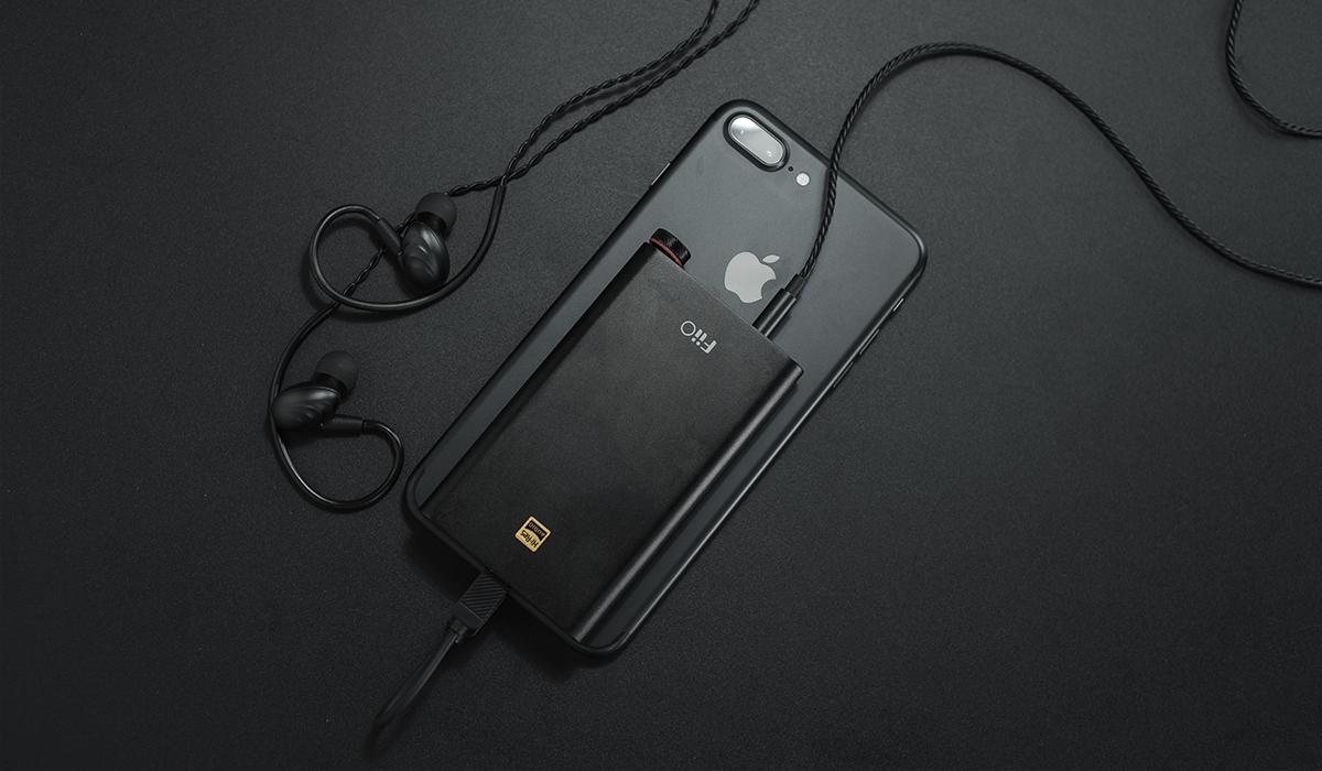 Der DAC FiiO Q1 Mark II im Verbund mit einem iPhone