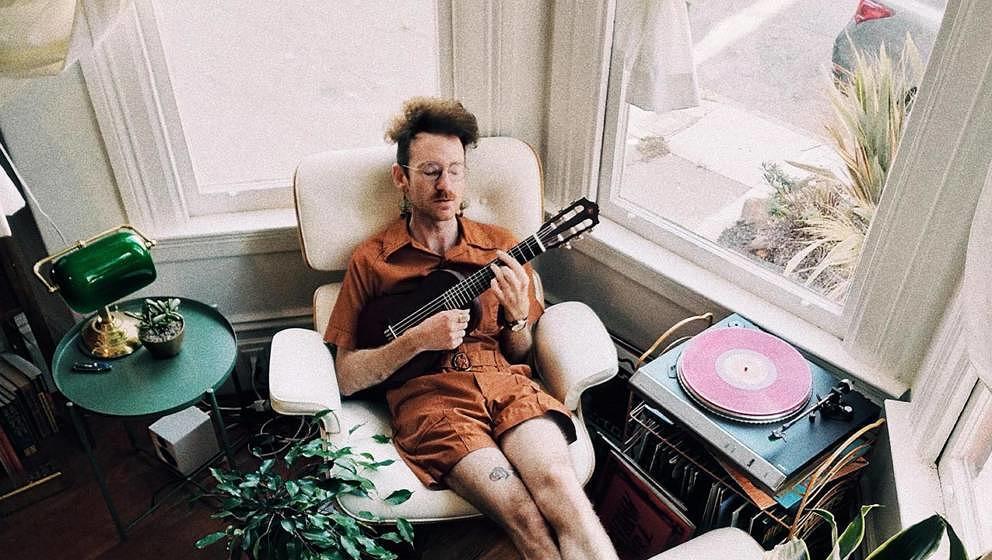 Zuhause entspannt und laut Musik hören ist in einer hellhörigen Wohnung oft nicht so einfach.