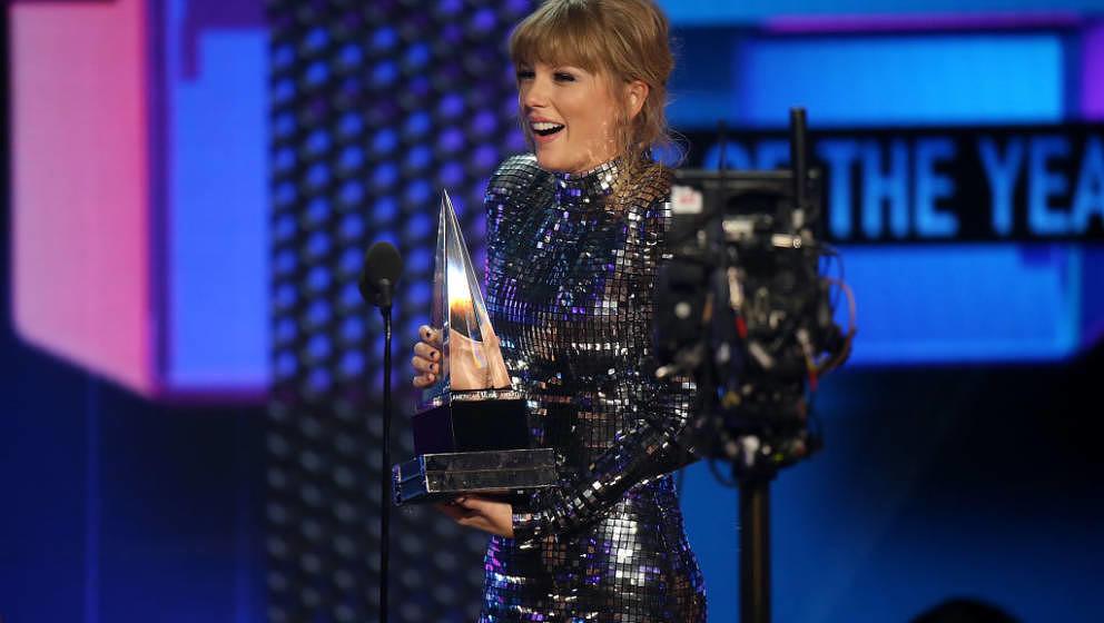 Taylor Swift bei den American Music Awards 2018 am 9. Oktober in Los Angeles