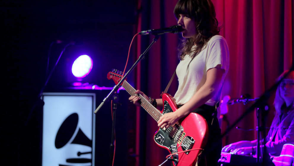 LOS ANGELES, CA - AUGUST 03:  Courtney Barnett performs at The Drop: Courtney Barnett at the GRAMMY Museum on August 3, 2018