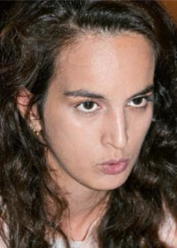 Ebow, bürgerlich Ebru Düzgün, wurde 1990 als Tochter kurdischer Aleviten in München geboren und wuchs dort bei Mutter und Großmutter auf. Anfangs machte sie sich mit Battle-Raps und Guerilla-Gigs einen Namen. Ihre Texte sind feministisch, als Einflüsse nennt sie Missy Elliott, M.I.A. und die türkische Sängerin Selda Bağcan. Ihr zweites Album KOMPLEXITÄT (2017) bekam reichlich gute Kritiken. Neben ihrer Soloarbeit ist sie Mitglied des Futurepop-/R'n'B-/Elektro-Trios Gaddafi Gals. Aktuell lebt Ebow in Wien, wo sie Architektur studiert.