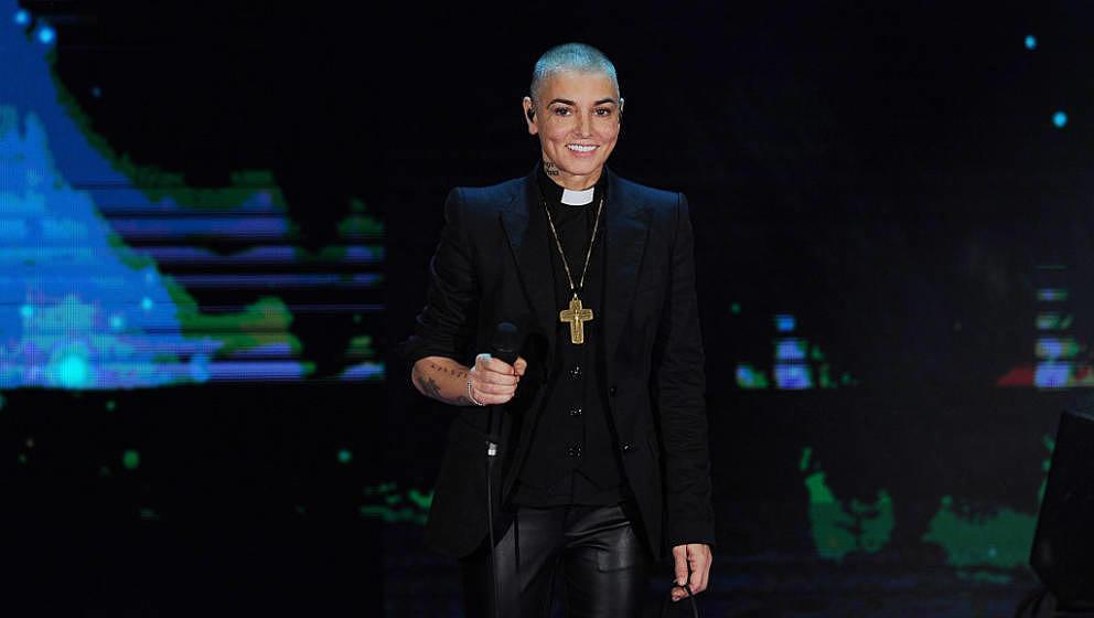 Hier noch mit dickem Kreuz um den Hals: Sinéad O'Connor, jetzt Shuhada' Davitt