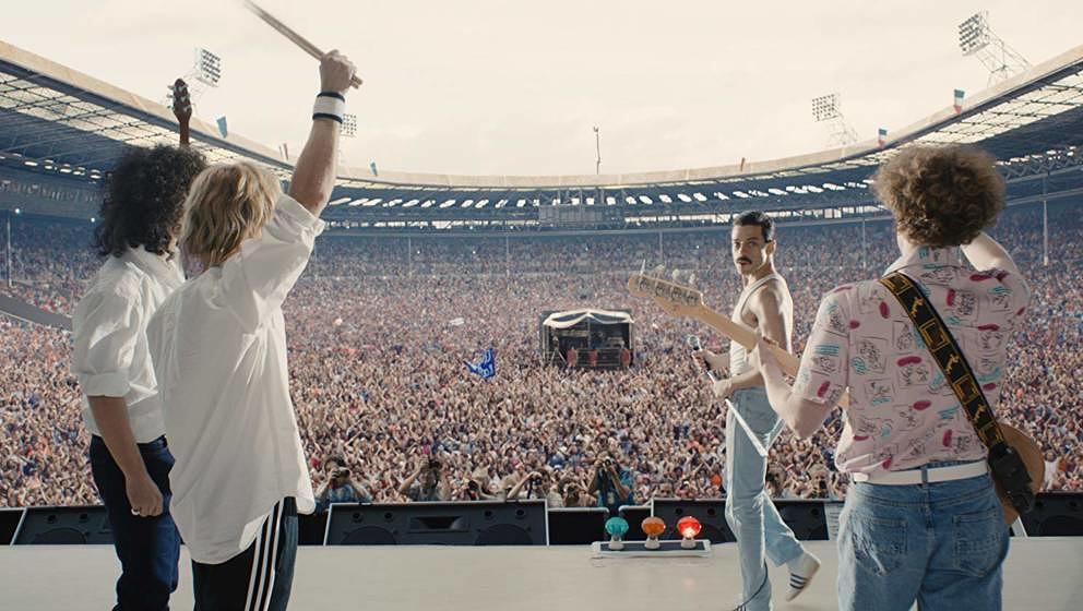 """Bohemian Rhapsody"" endet mit der Live-Performance m Wembley-Stadion."