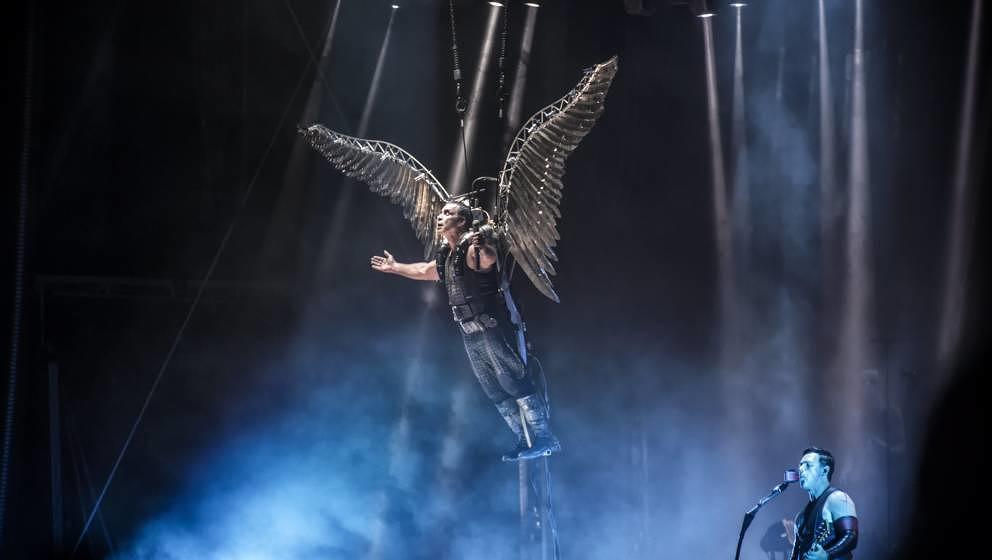 Rammstein im Juni 2016 beim schwedischen Bravalla Festival