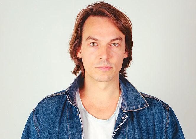 Moritz Krämer veröffentlicht nach acht Jahren wieder ein Solo-Album – und geht damit auch auf Tour